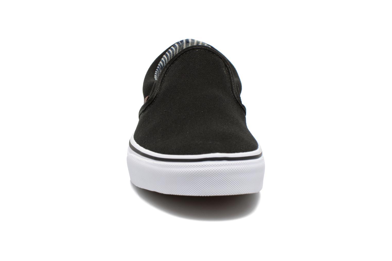 Baskets Vans Classic Slip-on Noir vue portées chaussures