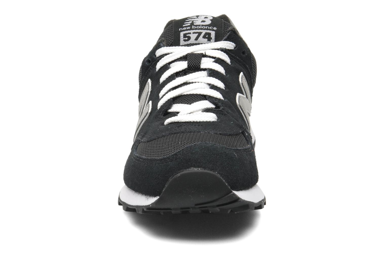 Baskets New Balance M574 Noir vue portées chaussures