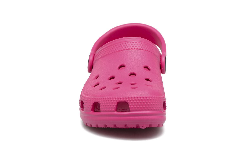 Sandales et nu-pieds Crocs Classic Kids Rose vue portées chaussures
