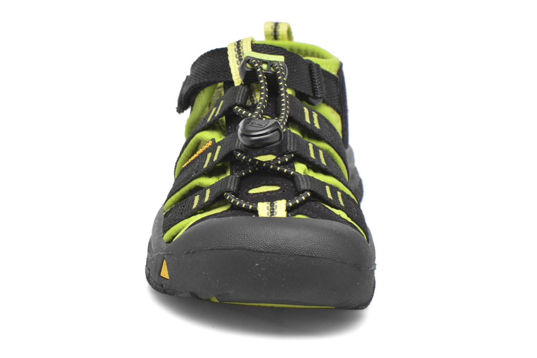 Sandalen Keen Newport H2 schwarz schuhe getragen