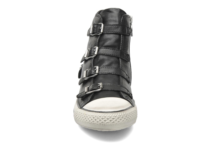 Baskets Ash Virgin Noir vue portées chaussures