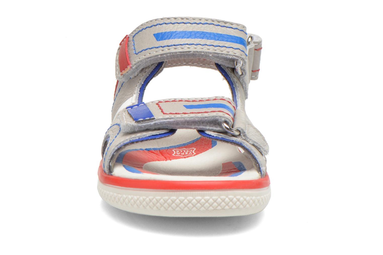 Sandales et nu-pieds Primigi Creek Gris vue portées chaussures
