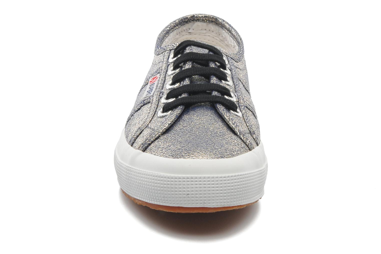 Sneakers Superga 2750 Lame W Grigio modello indossato