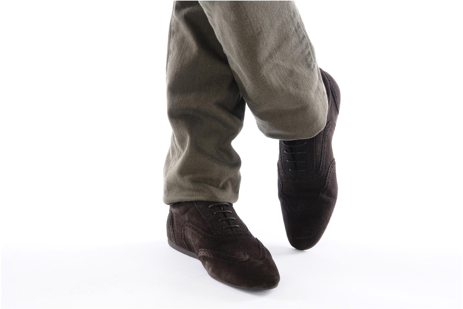 Lace-up shoes Schmoove Jamaica Corso Easy Brown view from underneath / model view
