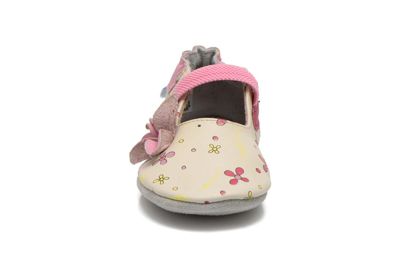 Chaussons Robeez Flower Power Beige vue portées chaussures