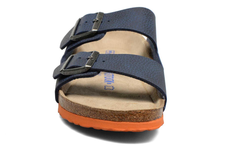 Sandales et nu-pieds Birkenstock Arizona Flor M Bleu vue portées chaussures