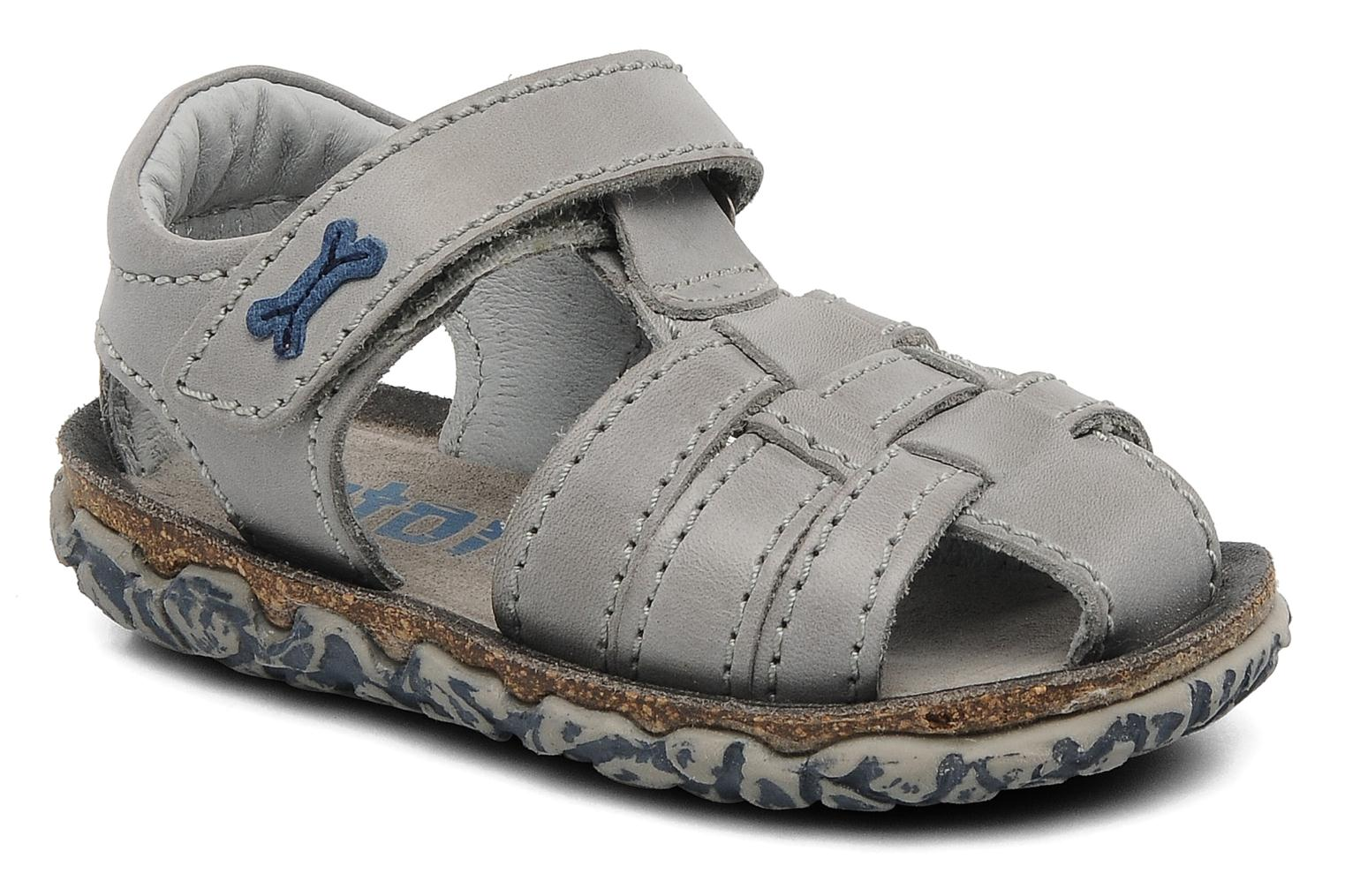 Sandals Stones and Bones Raxi Grey detailed view/ Pair view