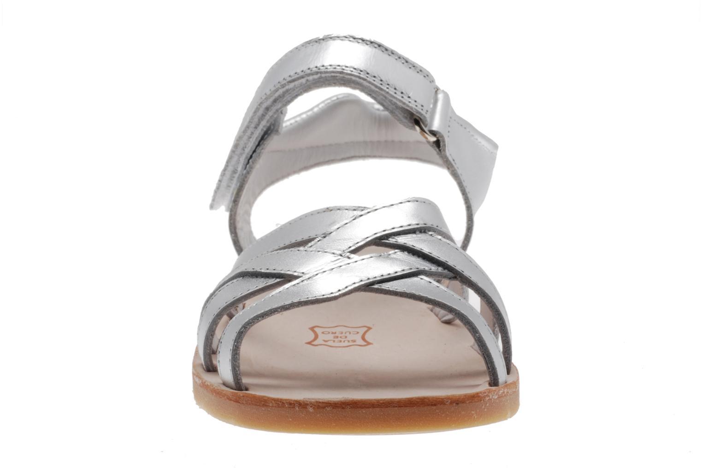 Sandales et nu-pieds Natik Natika 559 Argent vue portées chaussures