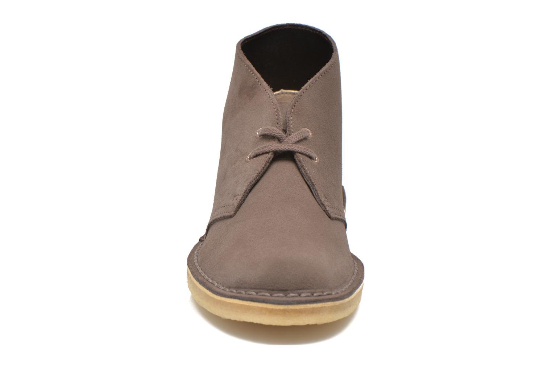 Chaussures à lacets Clarks Desert Boot W Marron vue portées chaussures