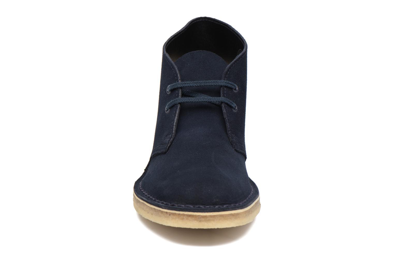 Chaussures à lacets Clarks Desert Boot W Bleu vue portées chaussures