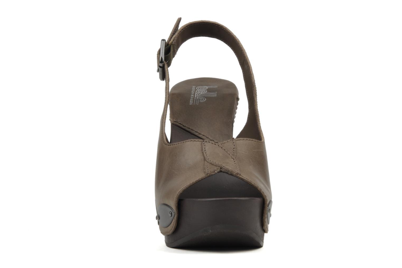 Sandales et nu-pieds Belle Melania Marron vue portées chaussures