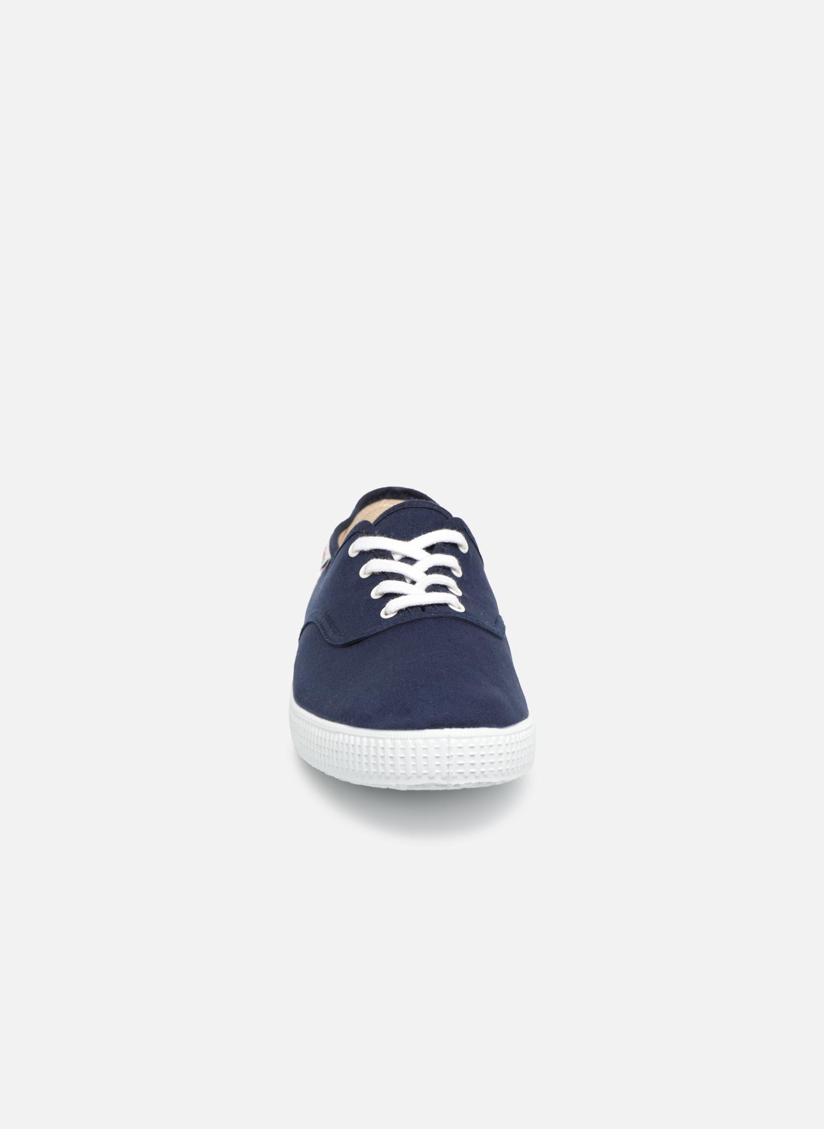 Baskets Victoria Victoria M Bleu vue portées chaussures