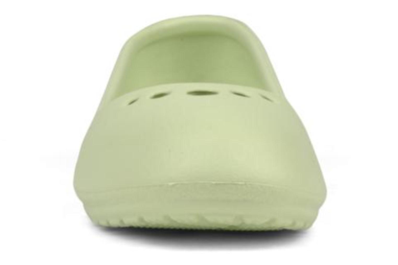 Ballerina Crocs Prima Grön bild av skorna på