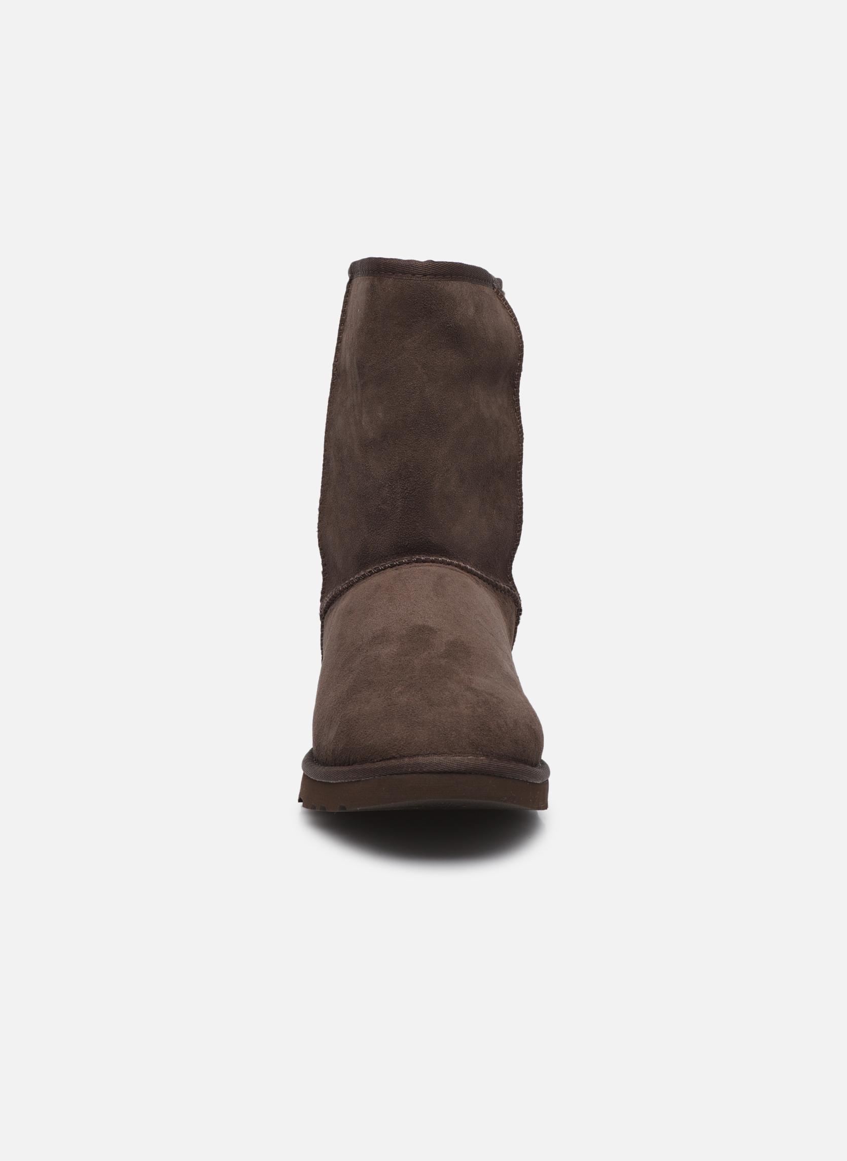 Bottines et boots UGG Classic Short M Marron vue portées chaussures