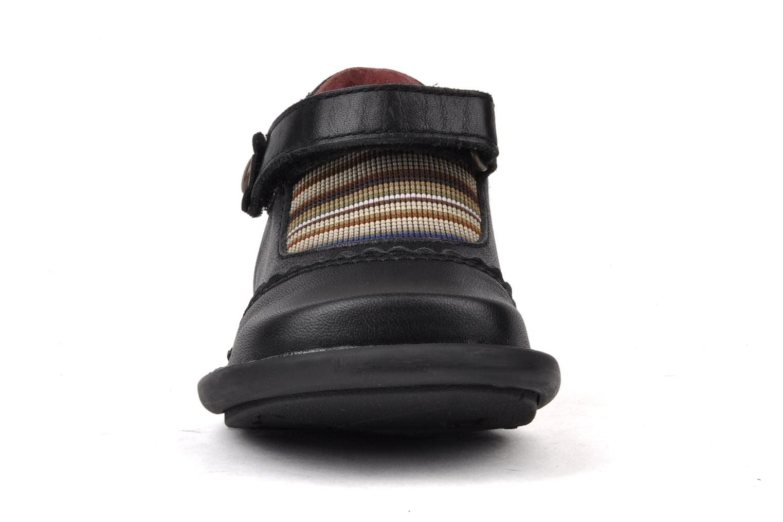 Chaussures à scratch Kickers Makup Noir vue portées chaussures