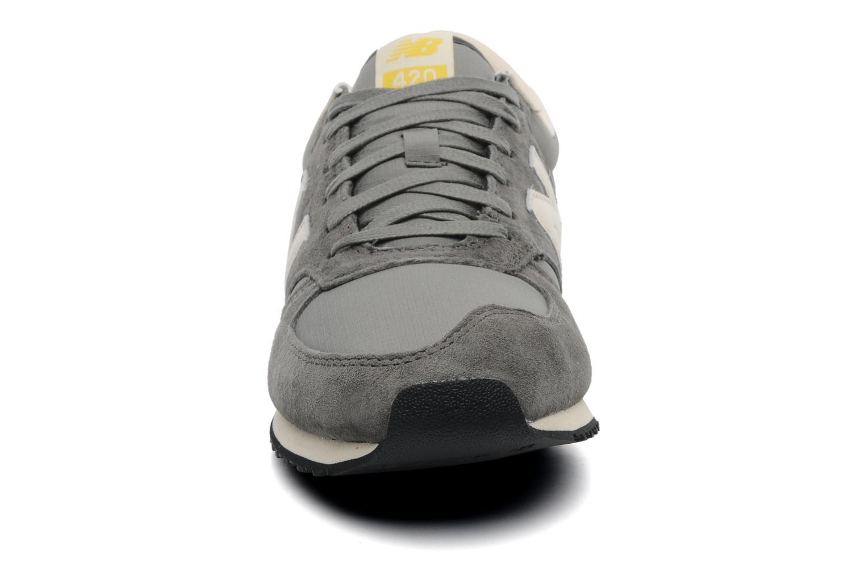 Sneaker New Balance U420 grau schuhe getragen