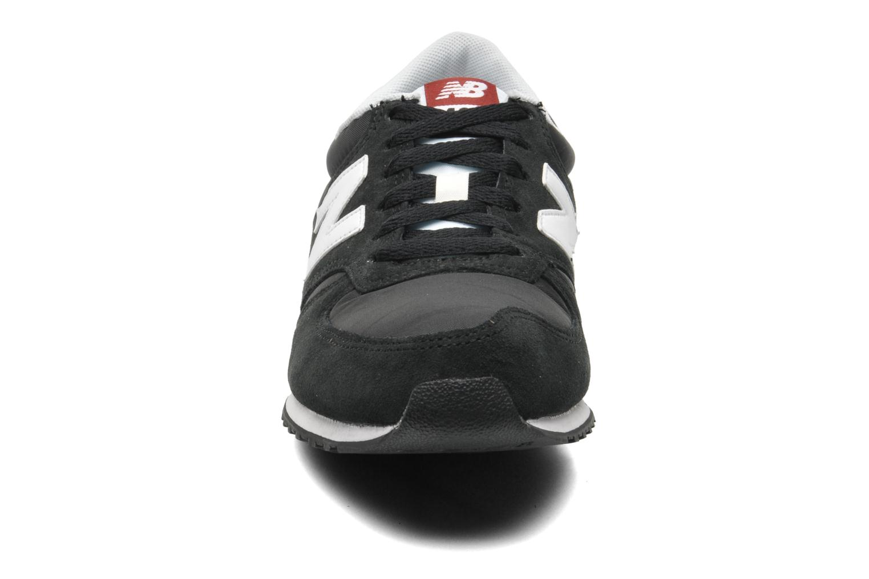 Deportivas New Balance U420 Negro vista del modelo