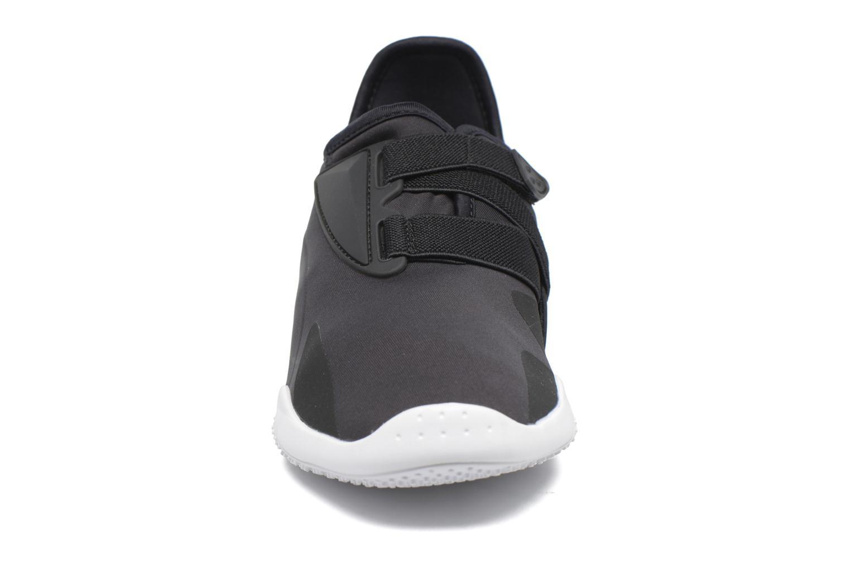 Baskets Puma Mostro W Noir vue portées chaussures