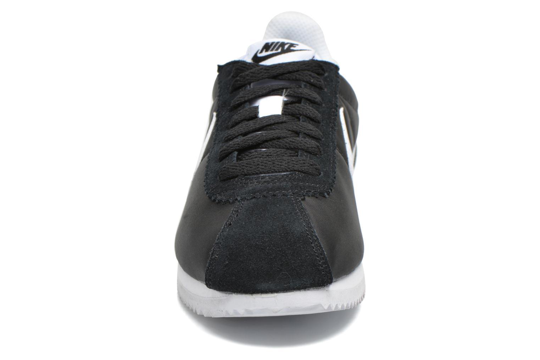 Sneaker Nike Wmns Classic Cortez Nylon schwarz schuhe getragen