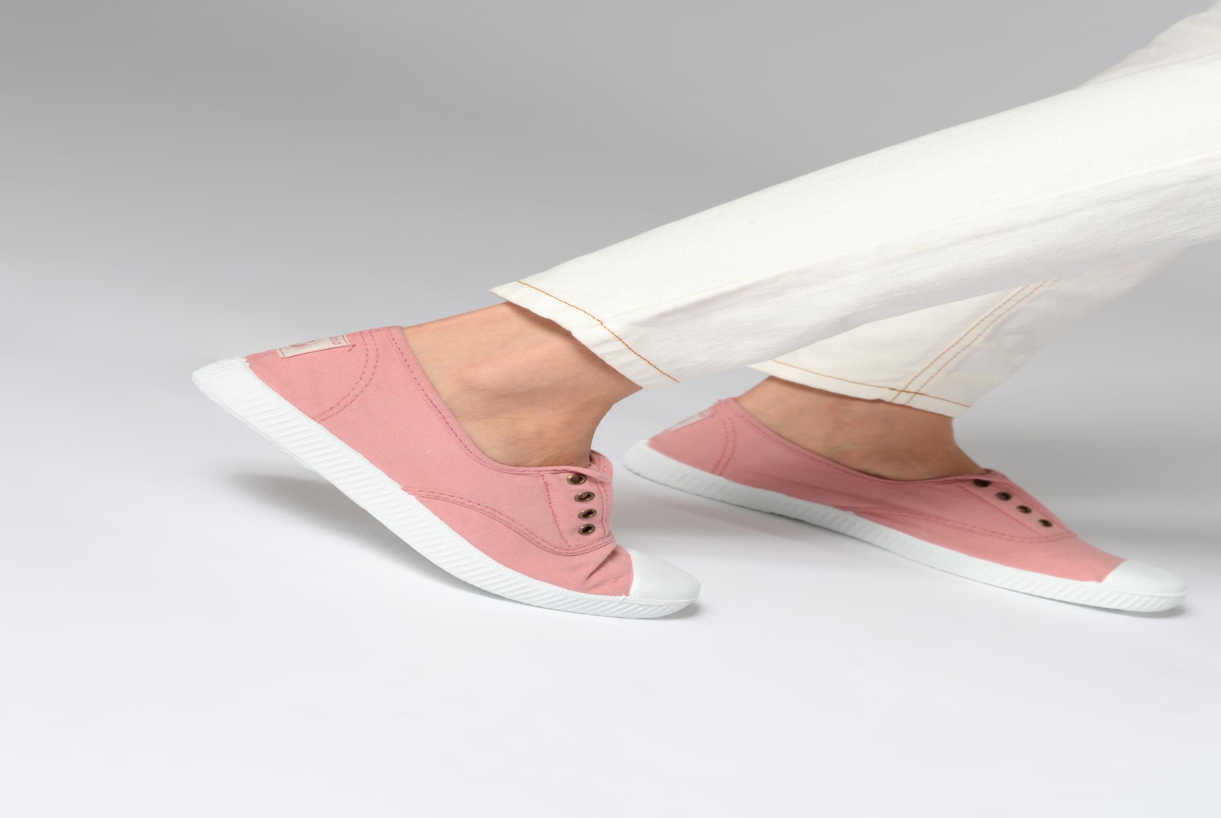 Sneaker Victoria Victoria Elastique W grau ansicht von unten / tasche getragen