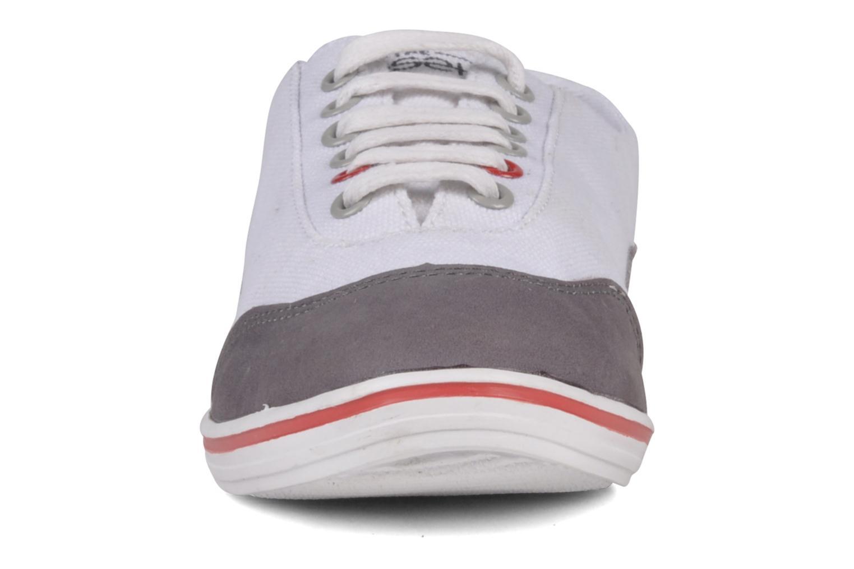 Baskets The Cassette The Bobi W Blanc vue portées chaussures