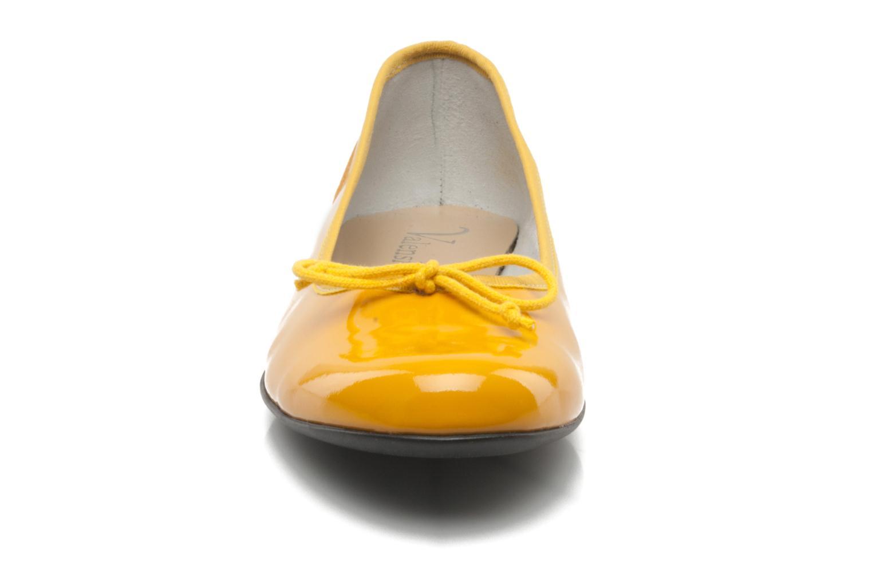 Ballerinas Valensi Vega gelb schuhe getragen