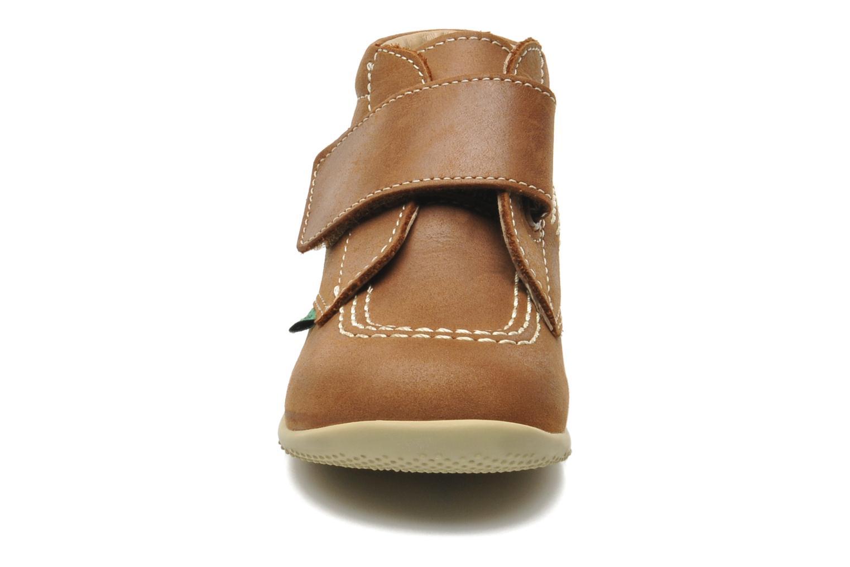 Zapatos con velcro Kickers Bilou Marrón vista del modelo