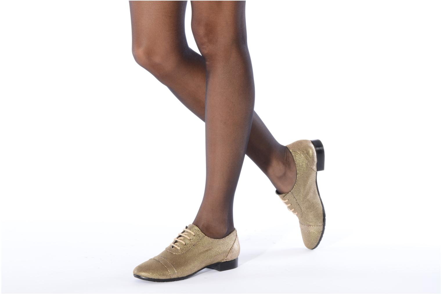 Lace-up shoes Maloles Dorothy Bronze and Gold view from underneath / model view