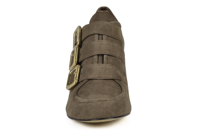 Bottines et boots Avril Gau Flash Gris vue portées chaussures