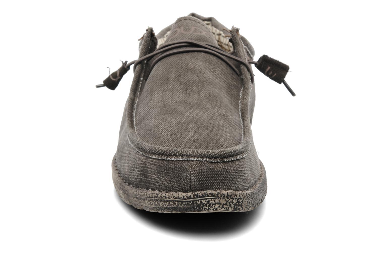 Sneaker DUDE Wally grau schuhe getragen