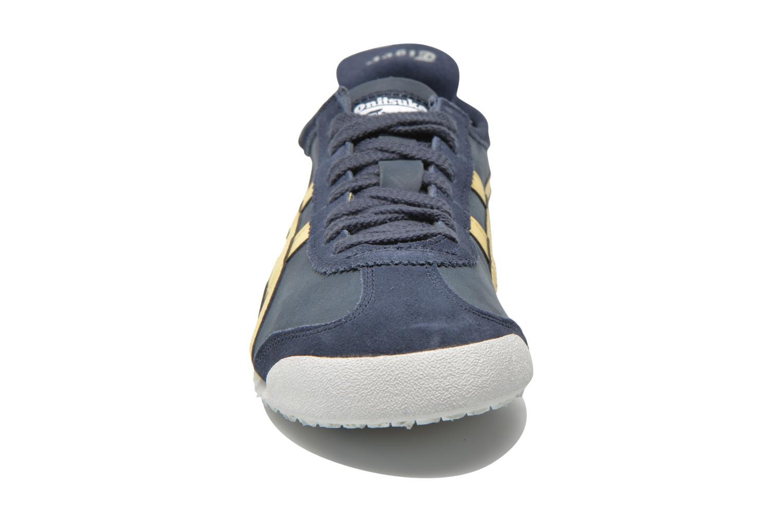 Baskets Onitsuka Tiger Mexico 66 M Bleu vue portées chaussures
