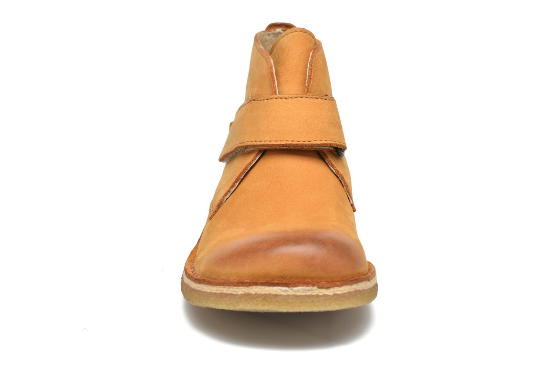 Zapatos con velcro Kickers Rekick Marrón vista del modelo
