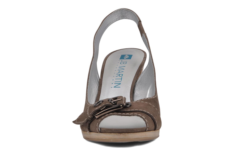 Sandales et nu-pieds JB MARTIN Otis Marron vue portées chaussures