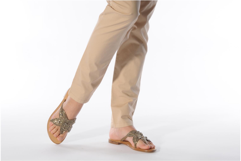 Sandales et nu-pieds JB MARTIN Aurel Beige vue bas / vue portée sac