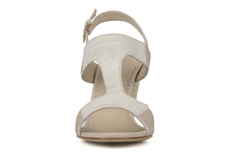 Sandales et nu-pieds Boss Black Page Beige vue portées chaussures