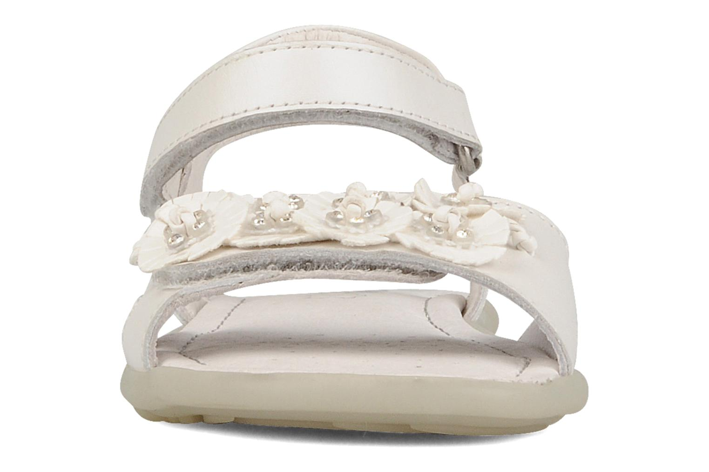 Sandales et nu-pieds Primigi Morgana Blanc vue portées chaussures