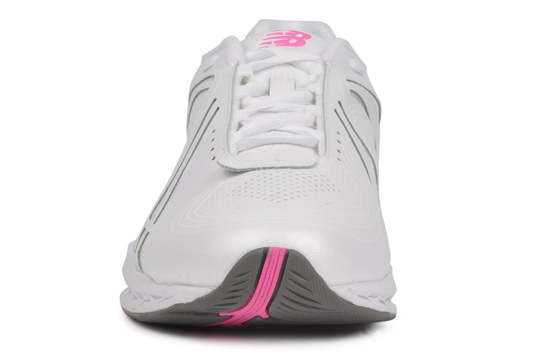 Chaussures de sport New Balance WW1100WP Blanc vue portées chaussures