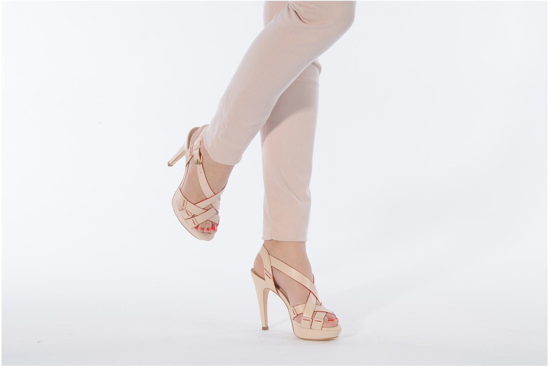 Sandales et nu-pieds Pour La Victoire Abigail Beige vue bas / vue portée sac