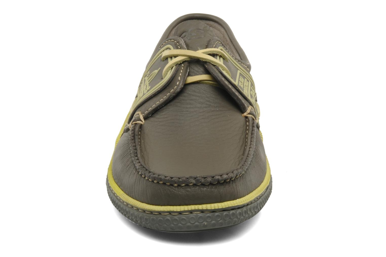 Zapatos con cordones TBS Globek Verde vista del modelo