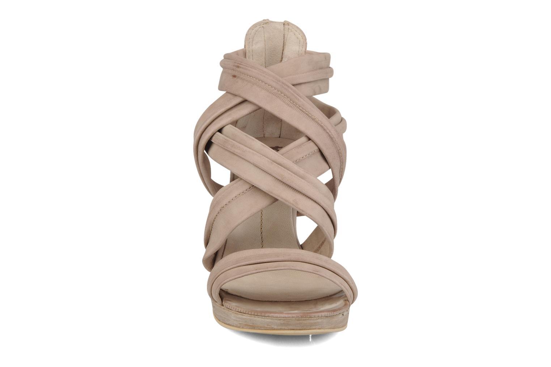 Sandales et nu-pieds Khrio Flana Beige vue portées chaussures