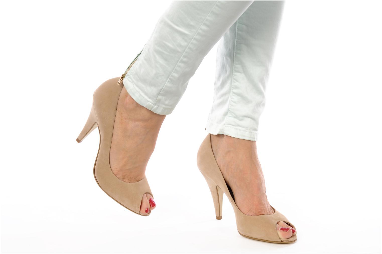 High heels Studio TMLS Louanne Pink view from underneath / model view