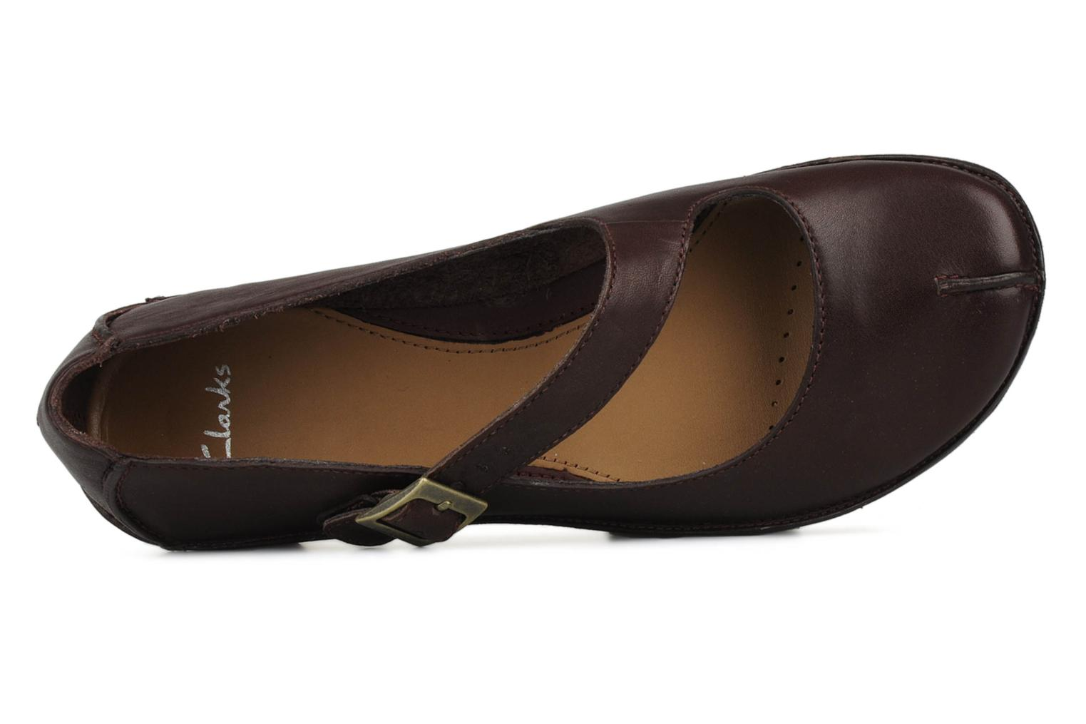 Ballet pumps Clarks Essence chime Brown view from the left