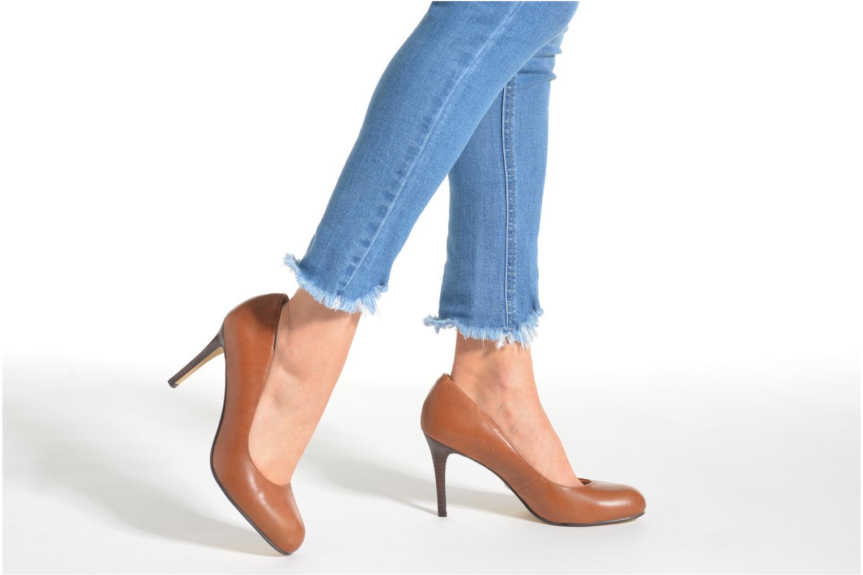 High heels Buffalo Klist Brown view from underneath / model view