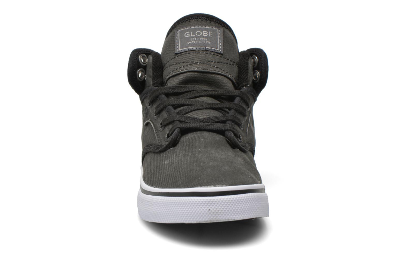 Chaussures de sport Globe Motley mid Gris vue portées chaussures