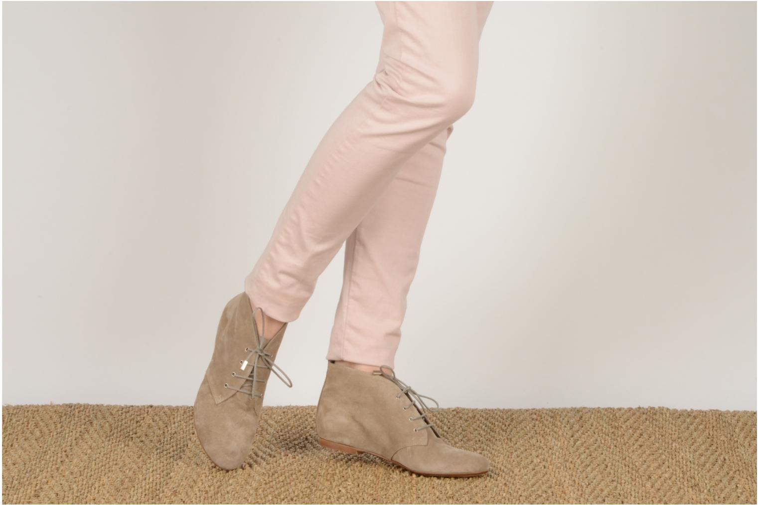 Ankle boots Emma Go Stella Beige view from underneath / model view