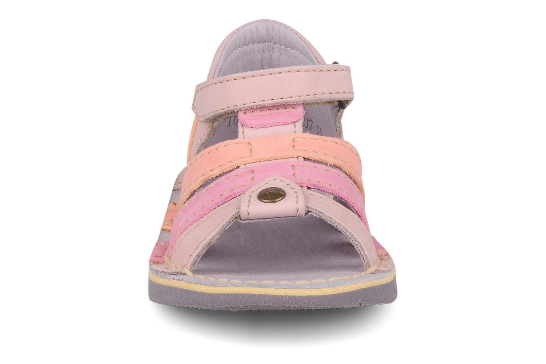 Sandales et nu-pieds Kickers Woopy Violet vue portées chaussures