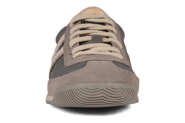 Baskets Kickers Kickretro E Gris vue portées chaussures