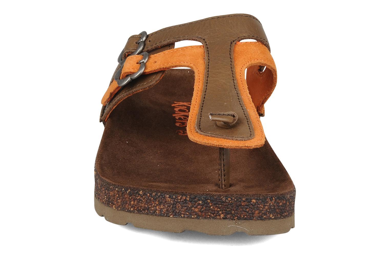 Tongs Kickers Kick magic Marron vue portées chaussures