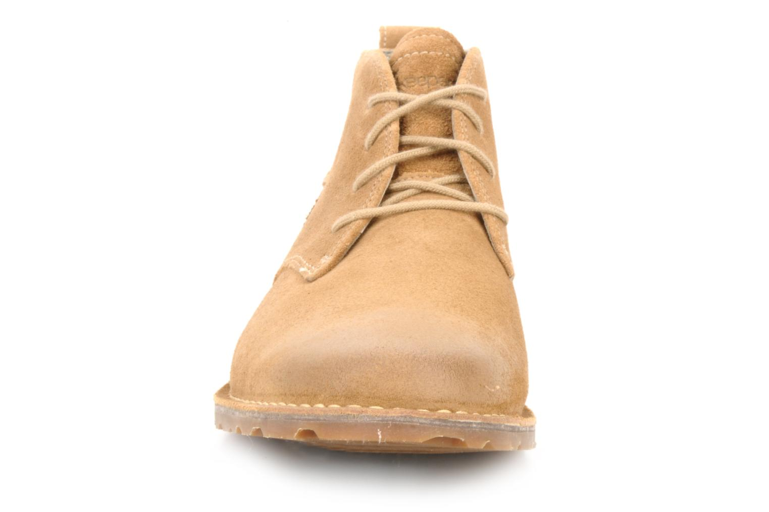 Bottines et boots Timberland Earthkeepers suede desert boot Beige vue portées chaussures