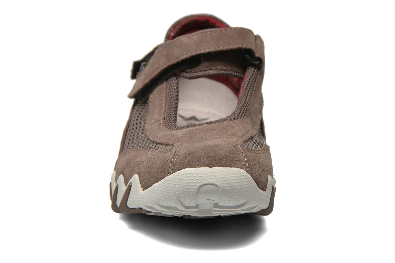 Scarpe sportive Allrounder by Mephisto Niro Marrone modello indossato